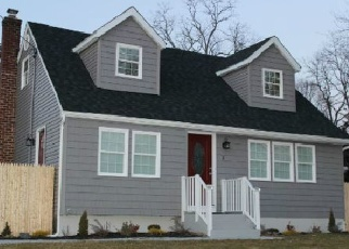 Foreclosed Home in HICKORY ST, Central Islip, NY - 11722