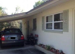 Foreclosed Home en SAILFISH DR E, Atlantic Beach, FL - 32233