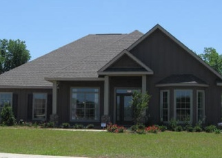 Foreclosed Home en MASKOKE DR, Cantonment, FL - 32533