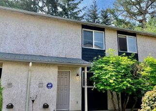 Foreclosed Home in NE 151ST ST, Seattle, WA - 98155