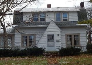 Foreclosed Home en CENTRAL AVE, Silver Creek, NY - 14136