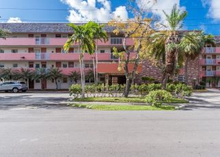 Foreclosed Home en NE 170TH ST, North Miami Beach, FL - 33160