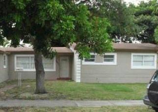 Foreclosed Home en NORTH DR, Miami, FL - 33179