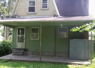 Casa en ejecución hipotecaria in Sherburne, NY, 13460,  SCHOOL ST ID: P1079201