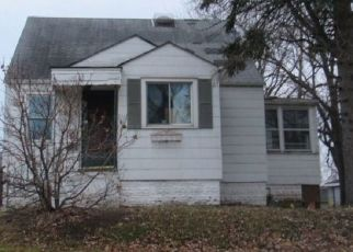 Foreclosed Home en S ROCKWELL AVE, Evergreen Park, IL - 60805