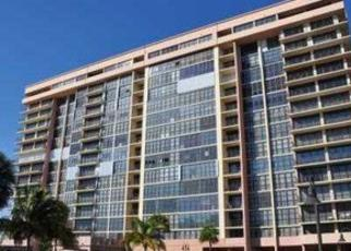 Foreclosed Home en S OCEAN DR, Hallandale, FL - 33009