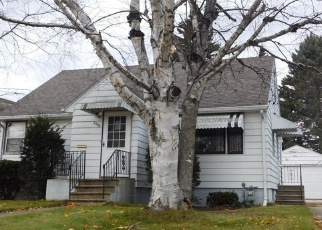 Foreclosed Home en 11TH ST, Two Rivers, WI - 54241