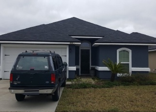 Foreclosed Home en GRAYLON DR, Yulee, FL - 32097