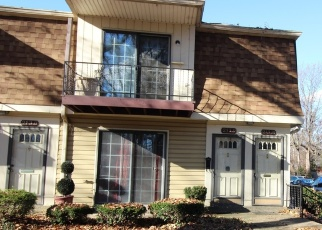 Foreclosure Home in Louisville, KY, 40207,  FAIRFAX AVE ID: P1085019