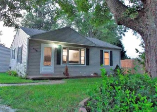 Foreclosed Home in W WALNUT ST, Chandler, IN - 47610