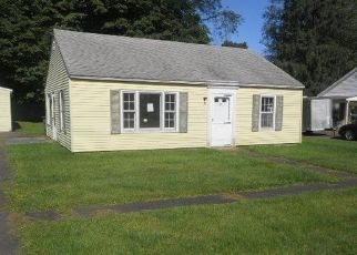 Foreclosed Home en TREMONT DR, Nassau, NY - 12123