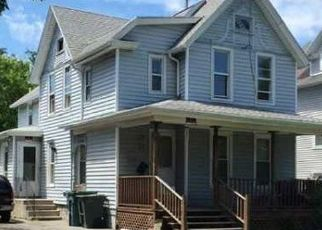 Foreclosed Home en WARNER ST, Rochester, NY - 14606