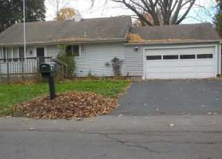 Foreclosed Home en FORD ST, Baldwinsville, NY - 13027