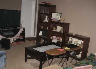 Foreclosed Home en GROVER CLEVELAND HWY, Buffalo, NY - 14226