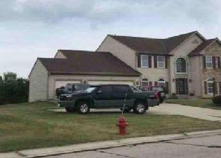 Foreclosed Home en DANIELS DR, Germantown, WI - 53022