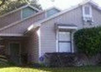 Foreclosed Home en QUEENS GATE RD, Orlando, FL - 32818