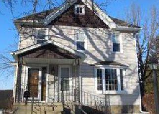 Casa en ejecución hipotecaria in Mayville, WI, 53050,  S WALNUT ST ID: P1090017