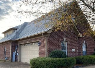 Foreclosed Home in BARKLEY GLENN DR, Collierville, TN - 38017