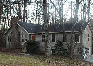 Foreclosed Home en MAINSTREET PARK DR, Stone Mountain, GA - 30088