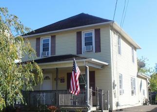 Foreclosed Home en CARL ST, Endicott, NY - 13760