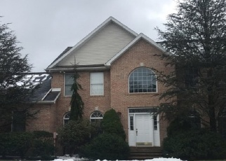 Foreclosed Home en ALCOTT CLOSE, Moosic, PA - 18507