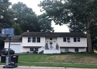 Foreclosed Home in BOBBY DR, Newark, DE - 19713