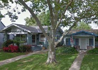 Casa en ejecución hipotecaria in Sacramento, CA, 95817,  35TH ST ID: P1096441