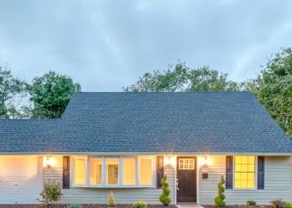 Casa en ejecución hipotecaria in Levittown, PA, 19055,  KINGWOOD LN ID: P1096617