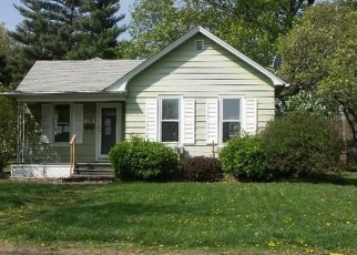 Foreclosed Home in S SHABBONA ST, Streator, IL - 61364