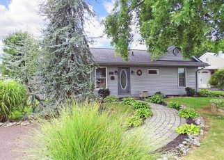 Casa en ejecución hipotecaria in Fairless Hills, PA, 19030,  BERKSHIRE RD ID: P1097651