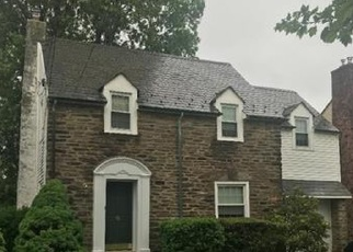 Foreclosed Home en RADCLIFFE ST, Bristol, PA - 19007