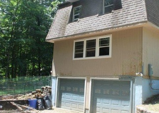 Foreclosed Home en STONEGATE DR, Queensbury, NY - 12804