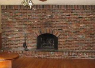 Foreclosed Home en CHARTER RD, Lakeland, FL - 33810
