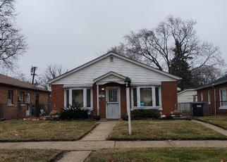 Foreclosed Home in CHAMPLAIN AVE, Dolton, IL - 60419