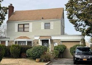 Foreclosed Home en WHITEHOUSE AVE, Roosevelt, NY - 11575