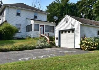 Foreclosed Home en HOPPER TER, Rochester, NY - 14612