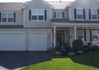 Foreclosed Home en ERIN DR, Elgin, IL - 60124