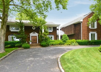 Foreclosed Home in THIXTON DR, Hewlett, NY - 11557
