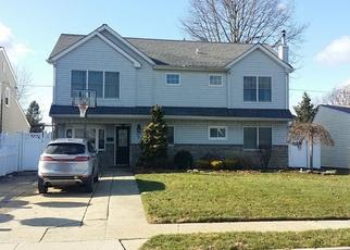 Foreclosed Home in BOBOLINK LN, Levittown, NY - 11756