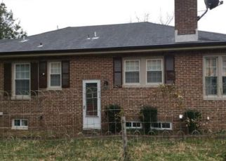 Foreclosed Home en SEIFERT AVE, Baltimore, MD - 21206