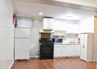 Foreclosed Home en HAWTREE ST, Ozone Park, NY - 11417