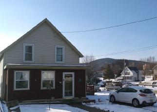 Foreclosed Home en SAINT CLAIRE ST, Ticonderoga, NY - 12883