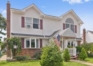 Foreclosed Home in LYDIA DR, Franklin Square, NY - 11010