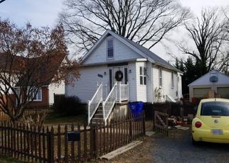 Foreclosed Home en WOODLAND DR, Dundalk, MD - 21222