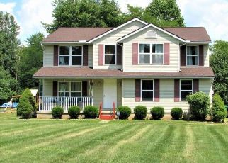 Foreclosed Home in DOUGLAS LANE RD, Centerburg, OH - 43011