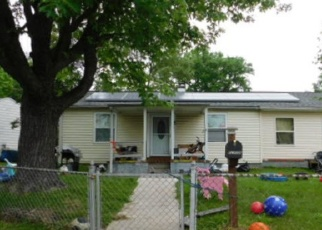 Foreclosed Home en ALCOCK RD, Essex, MD - 21221