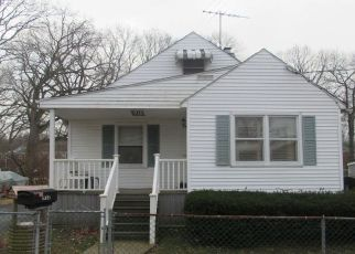 Foreclosed Home en LUTZ AVE, Essex, MD - 21221