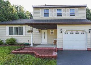 Foreclosed Home en HANCOCK DR, Glenmont, NY - 12077
