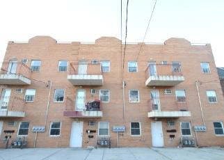 Foreclosed Home en GLEBE AVE, Bronx, NY - 10462