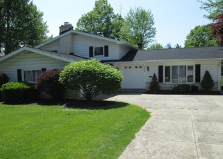 Foreclosed Home en CHRISTMAN DR, North Olmsted, OH - 44070